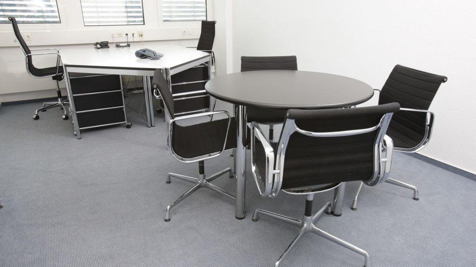 office-furniture-service